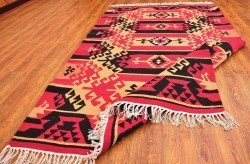 Custom Made Kilim Area Rugs for Sale at Alesouk | my article | Scoop.it