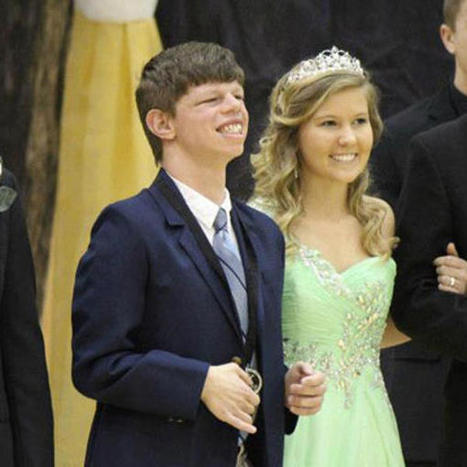 Tennessee Homecoming King Nominees Give Crown to Another Teen | It's Show Prep for Radio | Scoop.it