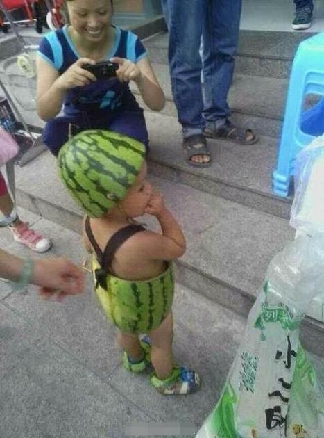Twitter / steve0george: Baby cools off by wearing actual ... | China y las redes sociales | Scoop.it