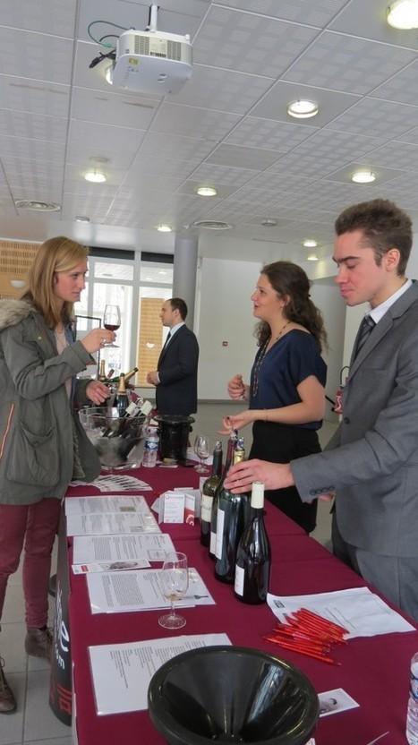iDealwine au Salon des vins de l'ESCP - Le blog d'iDealwine sur l'actualité du vin   Le meilleur des blogs sur le vin - Un community manager visite le monde du vin. www.jacques-tang.fr   Scoop.it