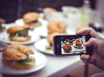 Restaurants Crack Down On Food Photos | Vertical Farm - Food Factory | Scoop.it
