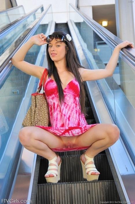 Public Naked Girls | Нудизъм | Scoop.it