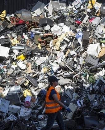 Veolia noue des partenariats inédits avec des industriels pour donner une seconde vie aux matières premières recyclées.   RSEco-systémique   Scoop.it