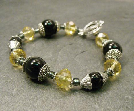 Handmade jewellery, bracelets, earrings and necklaces ...   Beaded by Sandra   Scoop.it