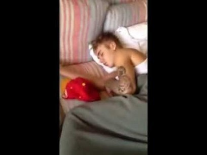 Prostitute took a video of Justin Bieber sleeping (Video) - Front Page Buzz | Entertainment | Scoop.it