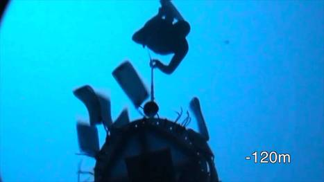 Guillaume Néry dives at -125m | Michel Braunstein Underwater Photography News | Scoop.it