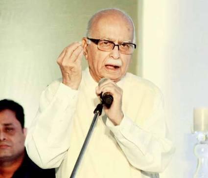 Advani launches veiled attack on Modi | News | Scoop.it