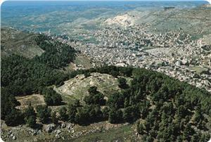 "Israeli plan to confiscate Mount of ""Gerizim"" 
