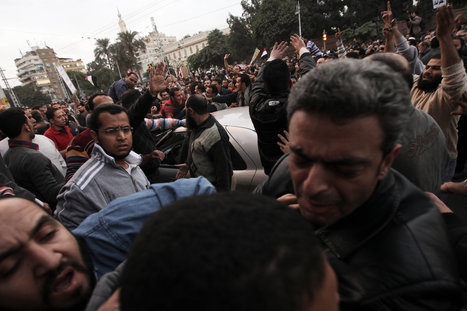 Bloodshed as Muslim Brotherhood and Anti Morsi Protesters Battle in Cairo | Revolution News Egypt | Scoop.it