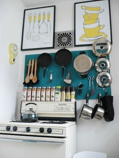 Clever DIY Ways to Organize Pots and Pans Apartment Therapy's ... | Declutter your life!! | Scoop.it