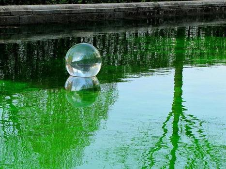 Water in ball by Shigeko Hirakawa | Art Installations, Sculpture | Scoop.it