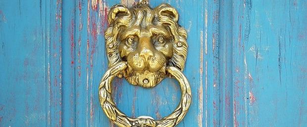 Heurtoir de porte : quand la porte d'entrée se fait belle !   La Revue de Technitoit   Scoop.it