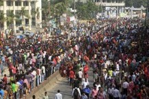 Bangladesh Garment Worker Wage Protests Leave 50 Injured | Unions and Labour | Scoop.it