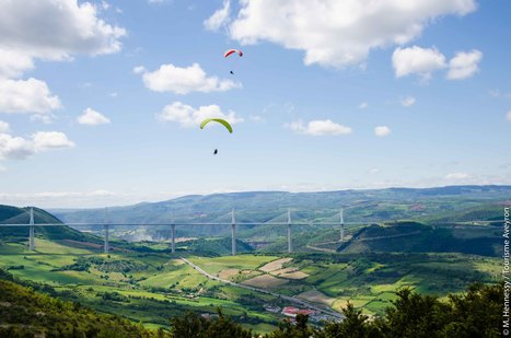En parapente au-dessus de Millau | L'info tourisme en Aveyron | Scoop.it