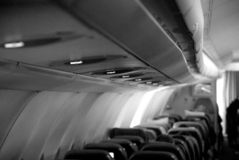 前空服員的機艙人生:有些旅客或許因此避而遠之,但小妹妹只是輕聲說「爸爸,我們到家了⋯⋯」 - The News Lens 關鍵評論網 | NIC: Network, Information, and Computer | Scoop.it