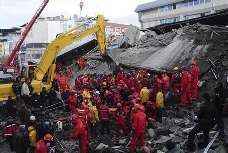 Search finds more bodies in quake-hit Turkish city | Highlights News Of The World | Scoop.it