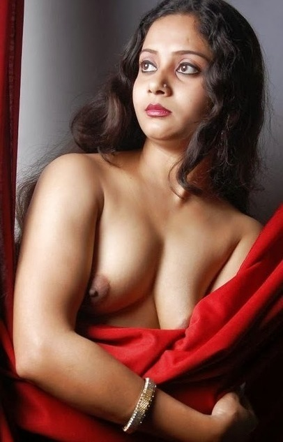 South Indian woman shows hot sexy boobs photo | Sex Picture™ | Sex Picture | Scoop.it
