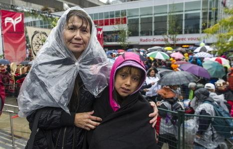 Thousands brave rain to show support for residential school survivors (with video) | AboriginalLinks LiensAutochtones | Scoop.it