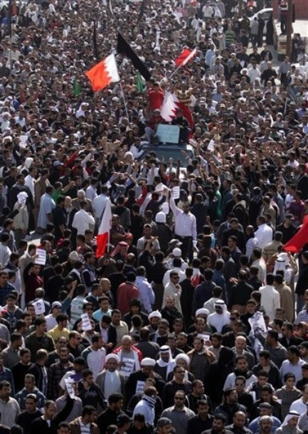 A funeral procession for Ali Abdulhadi Mushaima in Jidhafs, Bahrain : 2/15/2011 | Human Rights and the Will to be free | Scoop.it