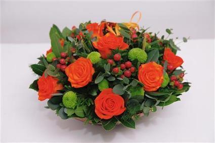 Flower arrangement in shades of orange | Flower Arrangements | Scoop.it