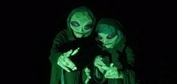 Alien Invaders Prank Friend | Viral YouTube Videos, Photos, Humorous Quotes & Funny News | Scoop.it
