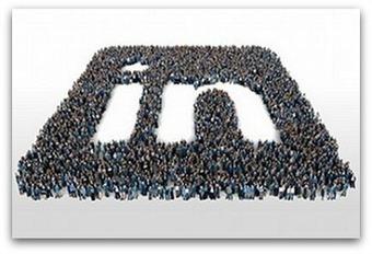 4 secrets to standing out on LinkedIn - Ragan | #TheMarketingAutomationAlert | Digital Marketing | Scoop.it