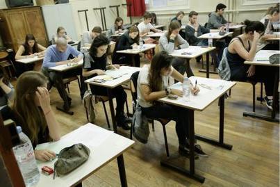 Examens: la FEF veut amender le décret Marcourt avant les délibérations | Haute Ecole Lucia de Brouckère | Scoop.it