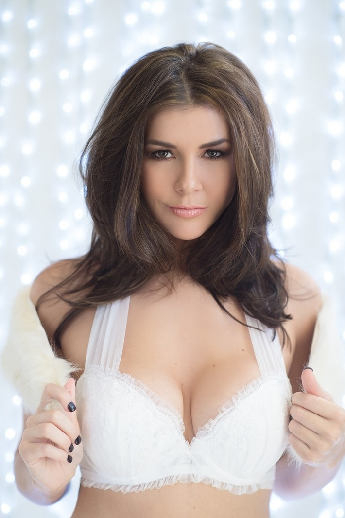 Imogen Thomas - sexy Christmas | Lingerie Love | Scoop.it