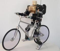Le robot KHR-3HV sait faire du vélo !   Des robots et des drones   Scoop.it