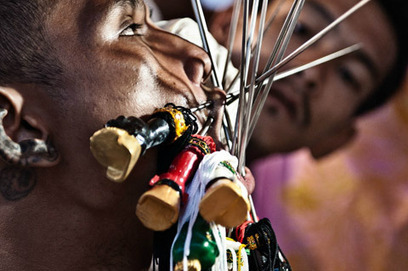 Photographs of Self-Piercing at Thailand Vegetarian Festival | Thailand Business News | Scoop.it