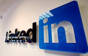 Four Ways LinkedIn Can Help Your Business Grow | LinkedIn Marketing Strategy | Scoop.it