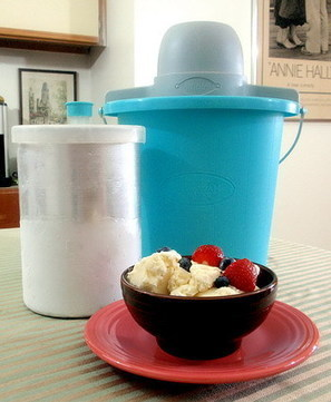How to Use an Old-Fashioned Ice Cream Freezer | Fun Homemade Foods | Scoop.it