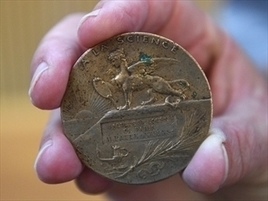 Tailor's WWI medallion heads back to France | NT News | France News | Scoop.it