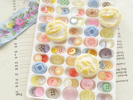 70 vintage buttons spring pastel mix by dkgeneralstore on Etsy | Antiques & Vintage Collectibles | Scoop.it