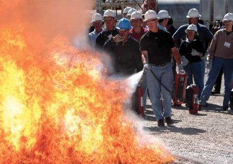 ¿Por qué sale agua del enchufe?: Existencia, presencia y ubicación de extintores de incendios en obras de construcción | Obras de Rehabilitación | Scoop.it
