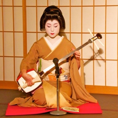 Geisha Playing the Shamisen | Gilbreath, Japan | Scoop.it