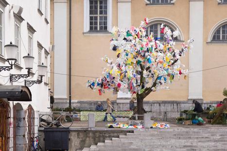 Plastic Tree Raises Environmental Awareness - My Modern Metropolis | BASIC VOWELS | Scoop.it