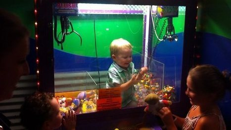 Toddler squeezes inside vending machine hands out toys to other children | No Such Thing As The News | Scoop.it
