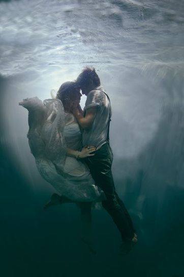 Underwater Love – Incredible Shoot by Wedding Photographer Rosie Anderson | Wedding Photography | Scoop.it