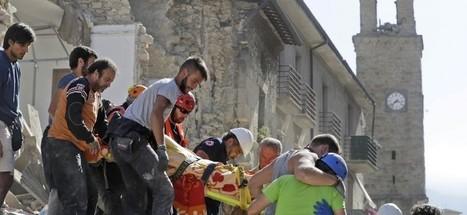 Ľudí z trosiek po zemetrasení vyťahujú aj kňazi a biskupi   Správy Výveska   Scoop.it