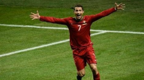 Ballon d'Or : Un coup de pouce de la Fifa à Ronaldo ? - FRANCE 24   Cristiano Ronaldo Ballon d'Or   Scoop.it