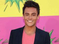 Facebook charge UK users over £10 to message celebrities such as Tom Daley | The Tech World | Scoop.it