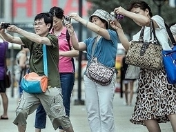 """Visas for Chinese visitors """"too hard"""" 