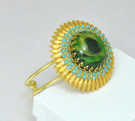 Flower Statement Cuff Bracelet Green Marble by emmjeyessvintage | Ecofashion | Scoop.it