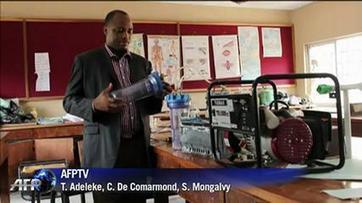 Produire de l'électricité avec de l'urine, idée de génie d'une collégienne nigériane | Défis Energétiques | Scoop.it