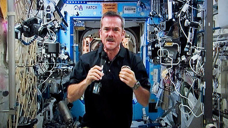 How Chris Hadfield turned earthlings on to space - Technology & Science - CBC News | iGeneration - 21st Century Education | Scoop.it