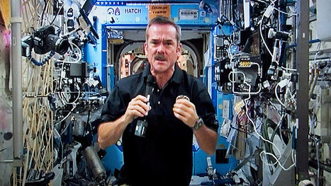 How Chris Hadfield turned earthlings on to space - Technology & Science - CBC News | iScience Teacher | Scoop.it