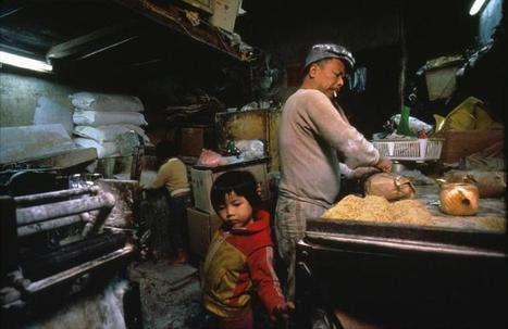 City of Darkness: Life in Kowloon Walled City | Photographer: Greg Girard | PHOTOGRAPHERS | Scoop.it