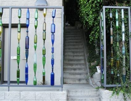 Garden wall made of recycled bottles and rebar | Landscape Creative Inspiration | Scoop.it