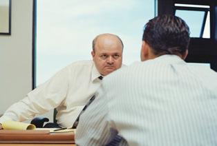 ¿Problemas con tu jefe? Claves para resolverlos | Alto Nivel | HMBC - Revista de Clima Laboral y RRHH